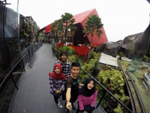 Selfie Batu Secret Zoo