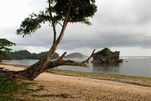 Pantai Kondang Merak Balekambang