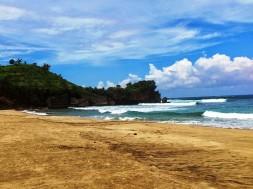 Pantai Ngantep Desa Tumpakrejo Malang