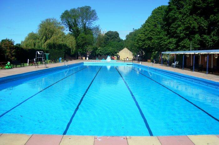 kolam renang di malang murah