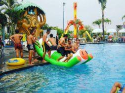 Kolam renang Jawa Timur Park 1