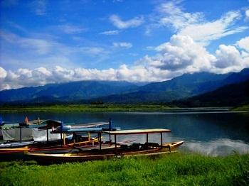 Wisata Alam Waduk Bendungan Selorejo