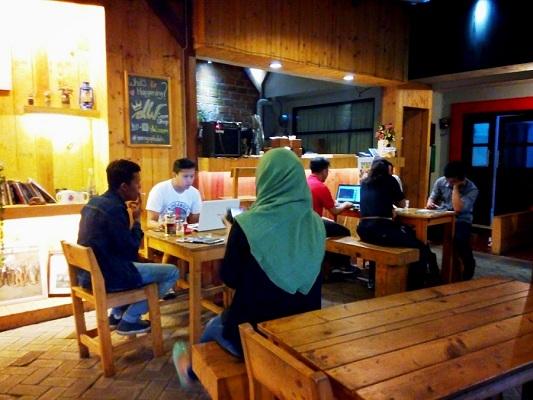 dW Coffee Kota Malang