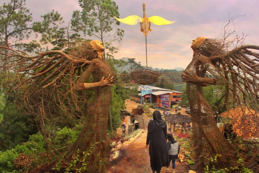 Taman Langit Gunung Banyak, Wisata Spot Selfie Terbaru di Batu
