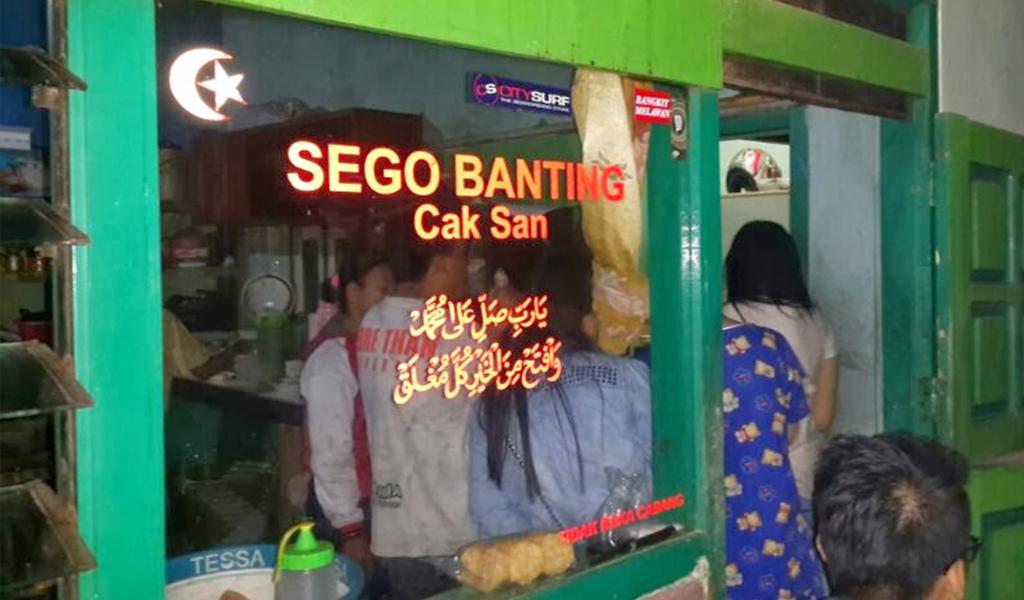 Berburu Sego Banting Cak San, Kuliner Malam Murah Meriah di Malang