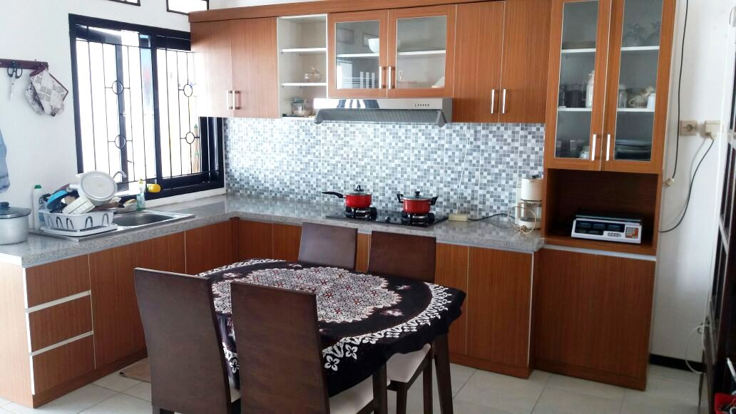 Ruang Makan + Dapur + Kitchen Set