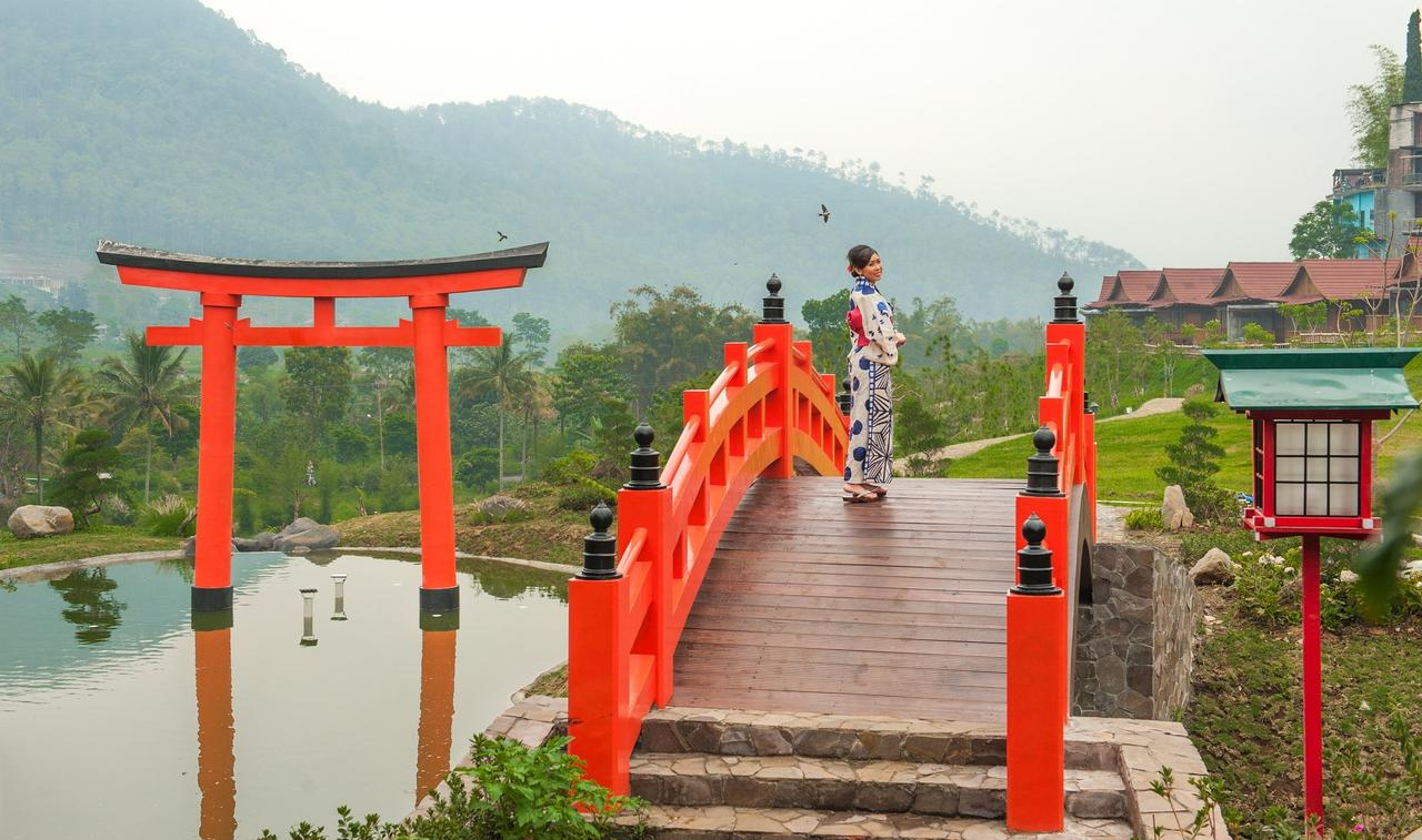 Resort Onsen Batu Malang